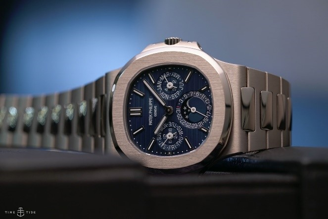 PATEK PHILIPPE NAUTILUS REF. 5740 - best gold watches